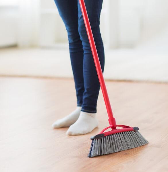 sweep laminate flooring